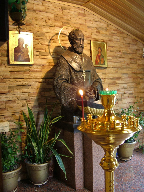 Храм святителя Николая в Пироговском центре