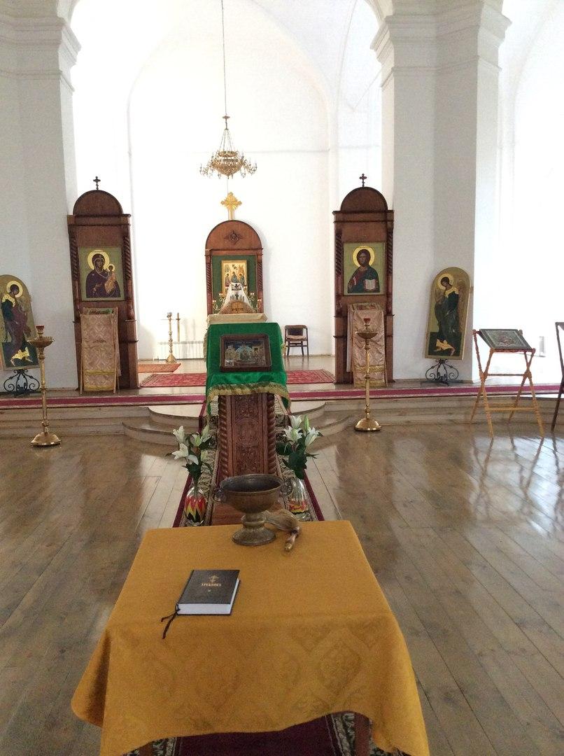Храм Троицы Живоначальной в МГОУ