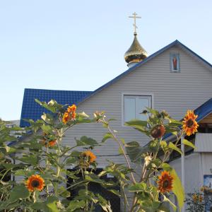 Храм Иверской иконы Божией Матери и Матроны Москов
