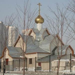 Храм Усекновения главы Иоанна Предтечи в Братееве
