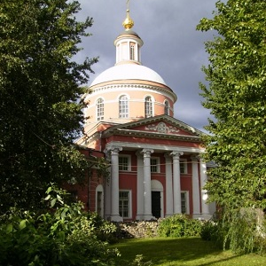 Храм Троицы Живоначальной в Вишняках