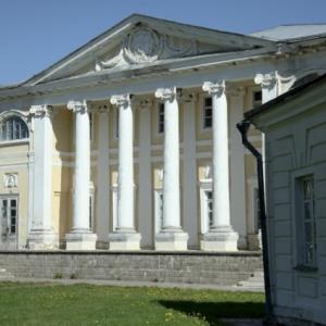 Храм Трех святителей в с. Волынщино