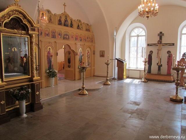 Храм свт. Николая Мирликийского в Дербеневе