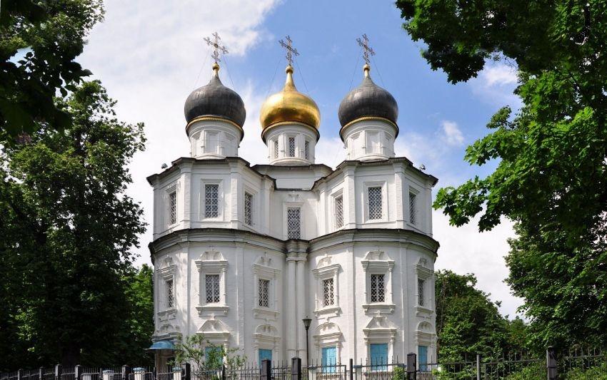 Храм Казанской иконы Божией Матери в Узком