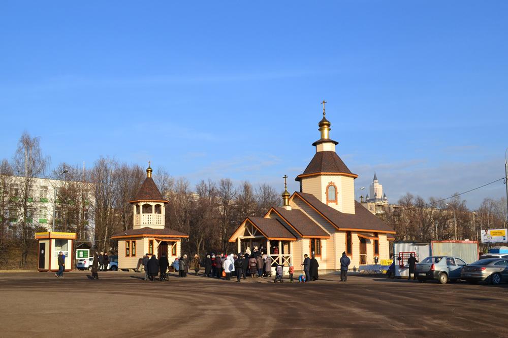 Храм Смоленской Иконы Божией Матери в Фили-Давыдково