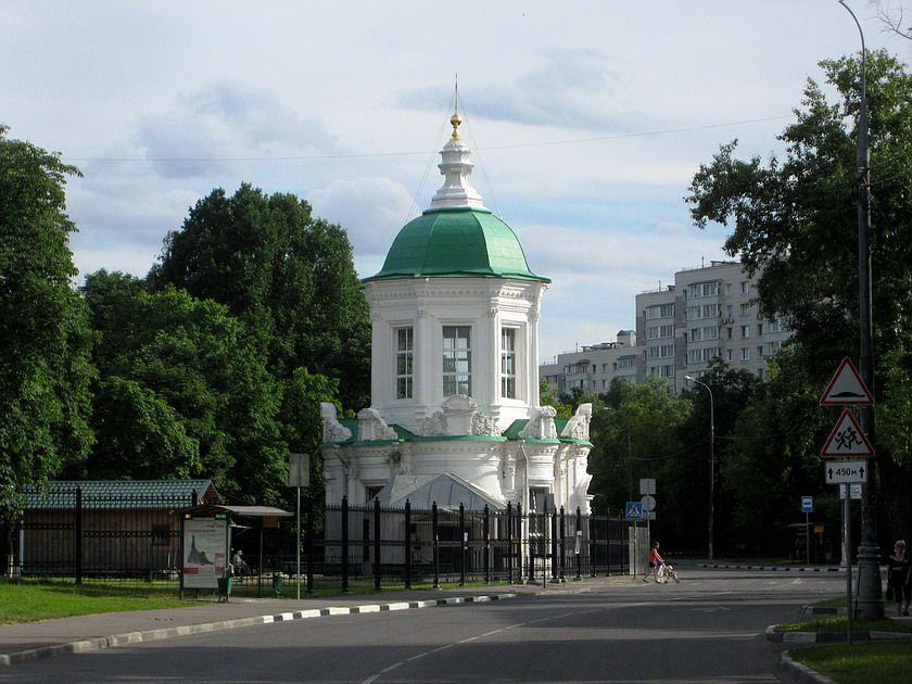 Храм иконы Божией Матери «Знамение» в Перово