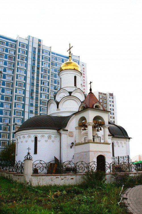 Храм Владимира митрополита Киевского в Свиблово