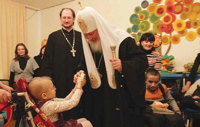 Святейший Патриарх Кирилл в Детском хосписе. Фото: детскийхоспис.рф