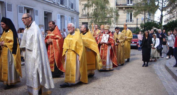 Духовенство и верующие приходов русской традиции в Западной Европе. Фото: cathedrale-orthodoxe.com